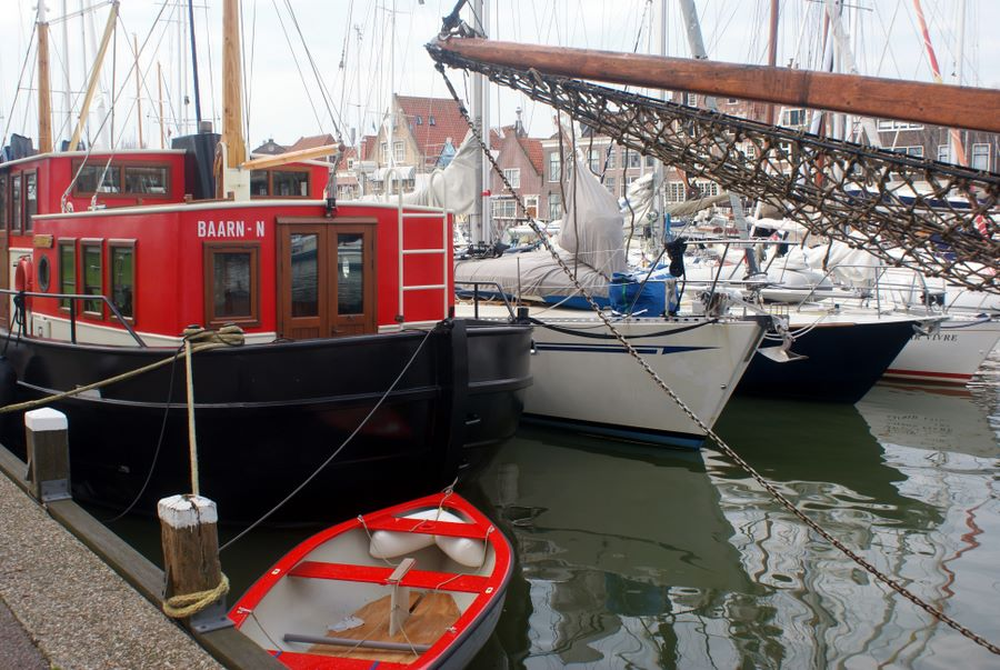 <i>Solstice</i> rafted up in Hoorn