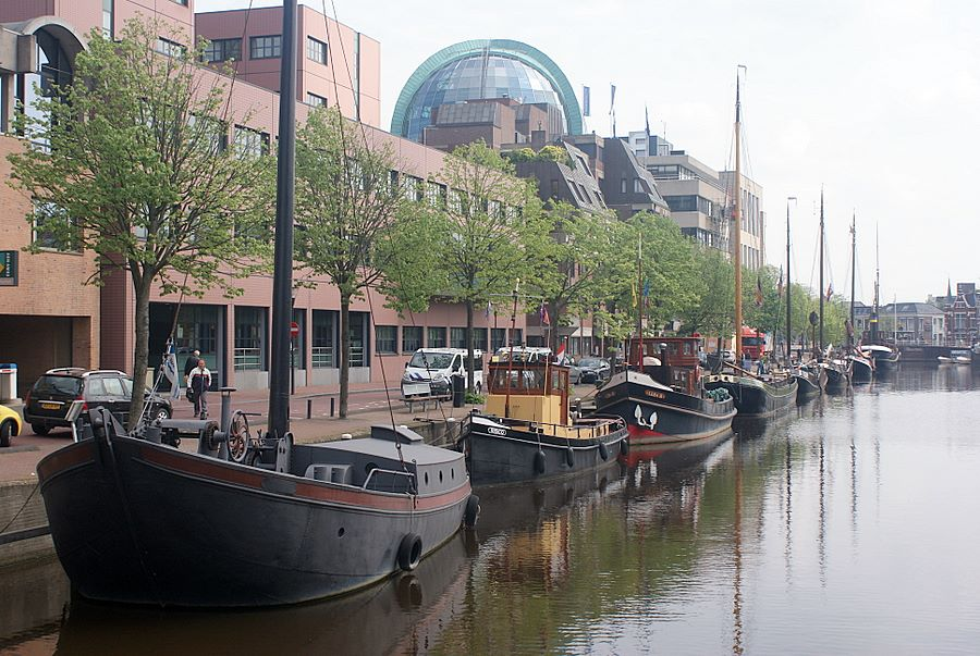 Leeuwarden: old ships and modern buildings